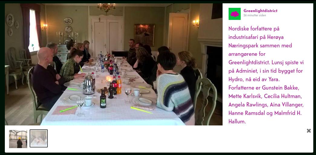 Forfattarar spis koldtbord i finstova med lysegrøne spisepinnar (Foto: Hanne Christensen)